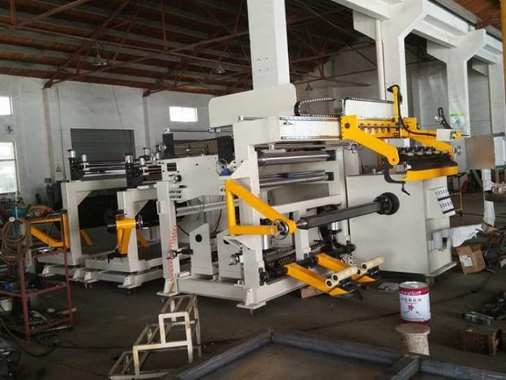Foil coil winding machine structure