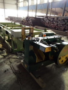 Round steel rod bar automatic cutting machine trial production-1