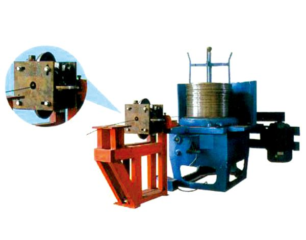 Machine to make belt wire from round wire